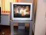 Продавам телевизор Philips комплект с масичка.Отлично състояние