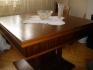 Продавам  маса от началото на 20 век, масивна,