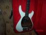 """Продавам професионална бас китара """"Дайон"""" - японска оригинална"""